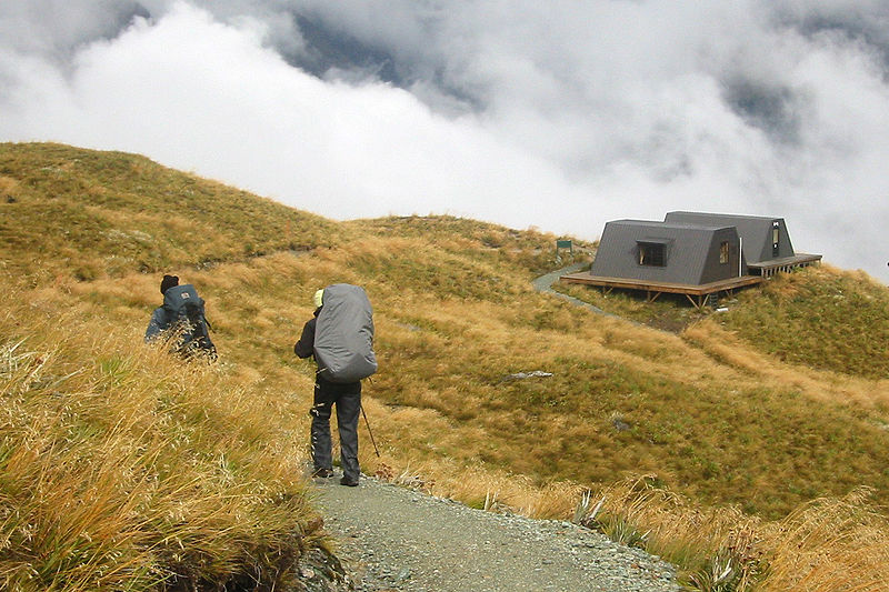 800px-Routeburn_track_emergency_shelters